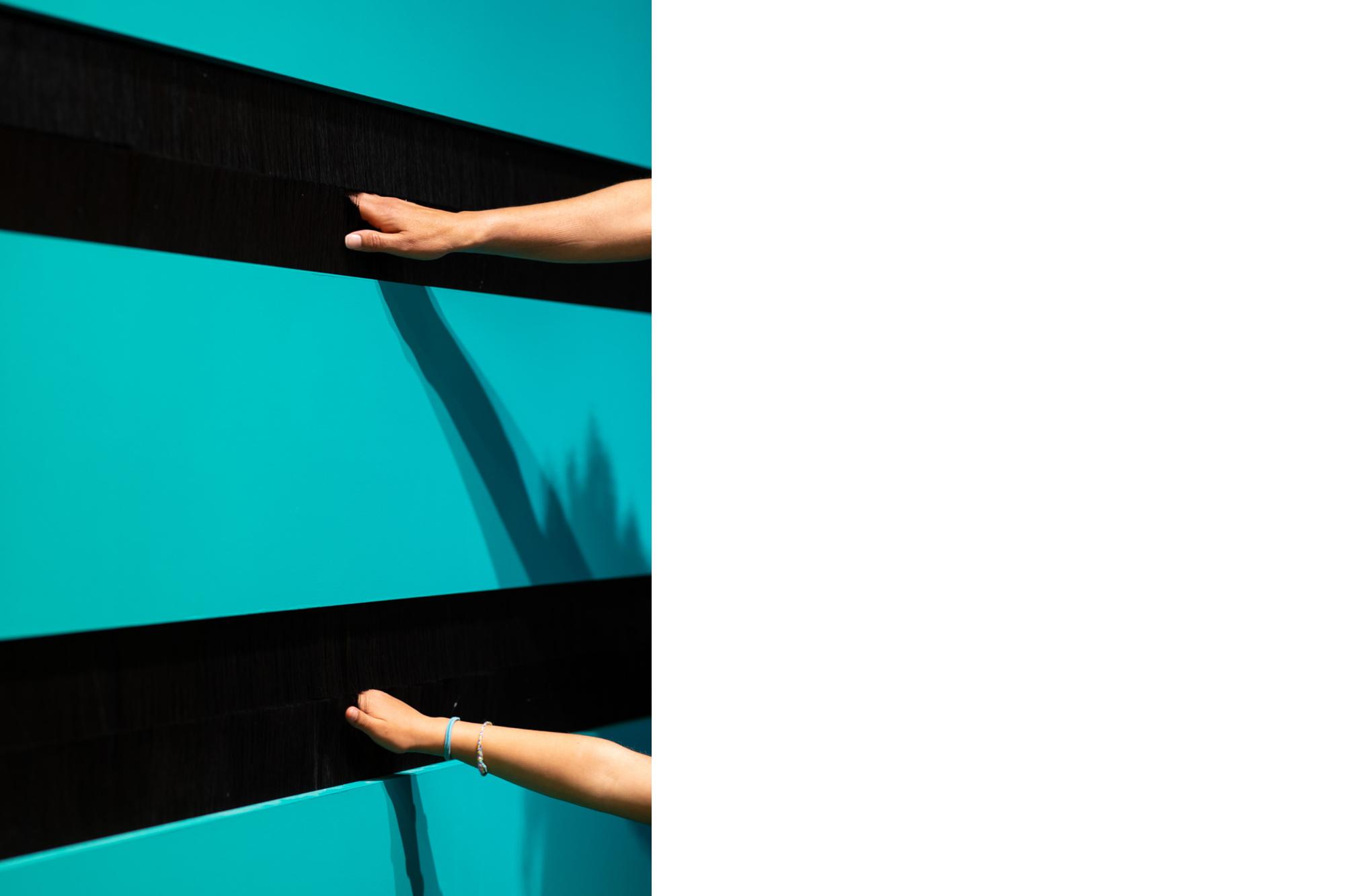 Allestimento Spazio espositivo Amleto Bertoni Saluzzo Sara Fortin design interior concorso tatto percorso sensoriale